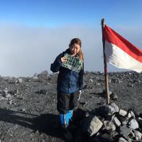 Olivia Irene at Puncak Gunung Semeru 3679mdpl AMAZING !!